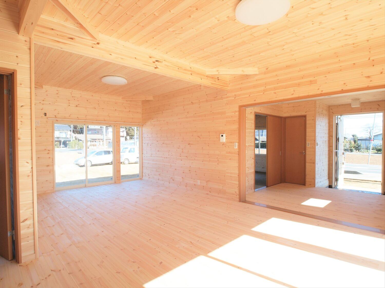 掘りごたつのある平屋の無垢材内装|行方市の注文住宅,ログハウスのような低価格住宅を建てるならエイ・ワン