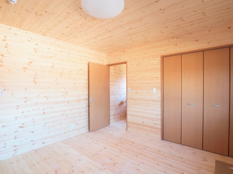 掘りごたつのある平屋の居室|行方市の注文住宅,ログハウスのような低価格住宅を建てるならエイ・ワン