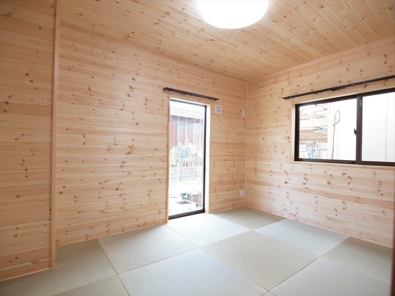 屋根の形が特徴的な二階建ての和室|行方市の注文住宅,ログハウスのような低価格住宅を建てるならエイ・ワン