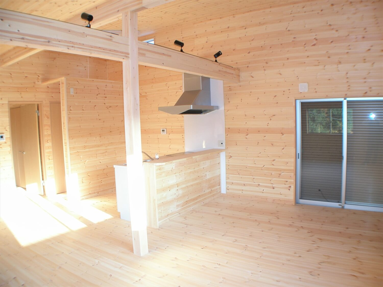 作業場のある平屋のLDK|石岡市の注文住宅,ログハウスのような低価格住宅を建てるならエイ・ワン