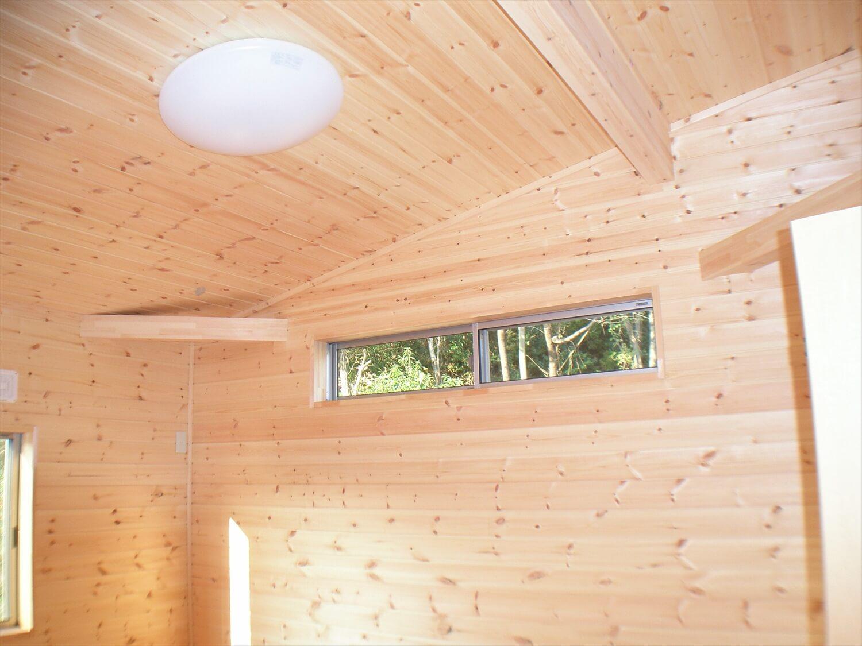 作業場のある平屋のハイサイドライト|石岡市の注文住宅,ログハウスのような低価格住宅を建てるならエイ・ワン