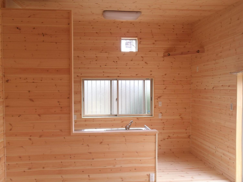 内装無垢材仕様の平屋のLDK|小美玉市の注文住宅,ログハウスのような低価格住宅を建てるならエイ・ワン