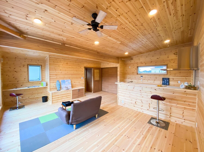 二階リビング住宅のLDK|取手市の注文住宅,ログハウスのような木の家を低価格で建てるならエイ・ワン