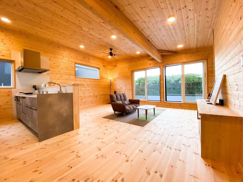 ログハウス風住宅,注文住宅,無垢材,低価格,家づくり