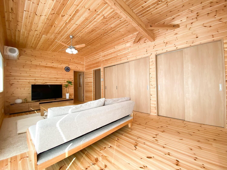 家事導線を考慮した平屋の大容量収納|笠間市の注文住宅,ログハウスのような木の家を低価格で建てるならエイ・ワン