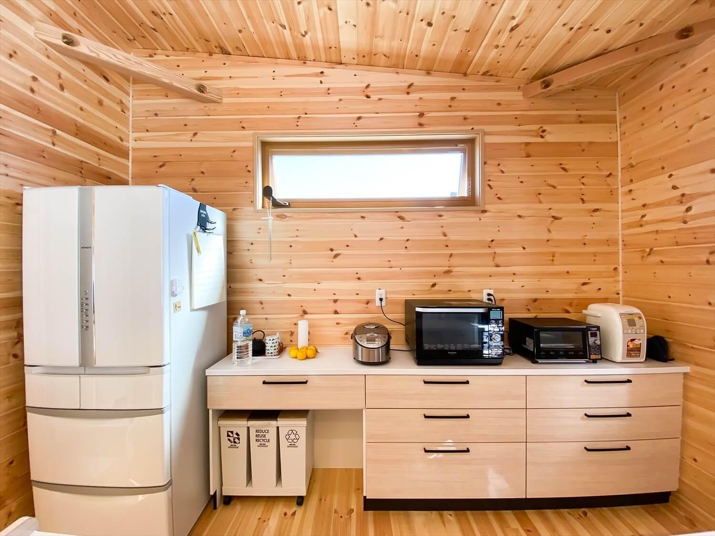 家事導線を考慮した平屋のカップボード|笠間市の注文住宅,ログハウスのような木の家を低価格で建てるならエイ・ワン