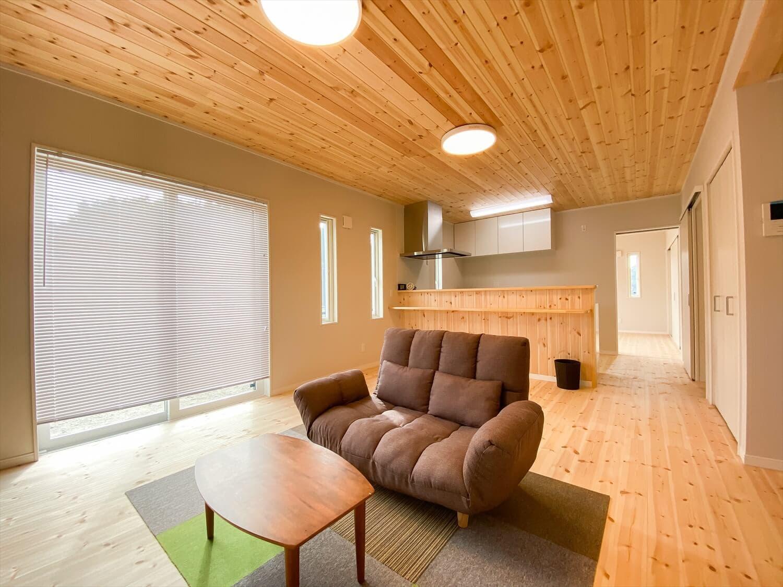 共有型二世帯住宅の二階建てのLDK|行方市の注文住宅,ログハウスのような木の家を低価格で建てるならエイ・ワン