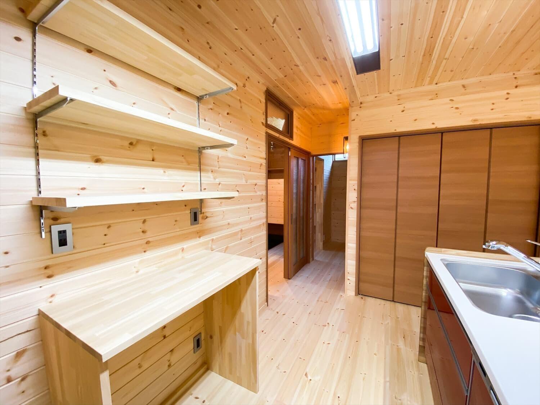 こだわりを詰め込んだ平屋のキッチン棚|石岡市の注文住宅,ログハウスのような木の家を低価格で建てるならエイ・ワン