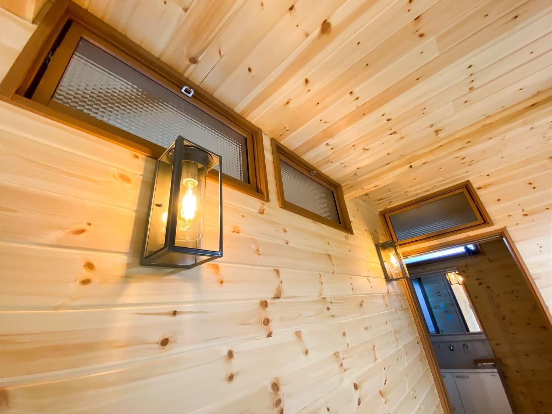 こだわりを詰め込んだ平屋の換気窓|石岡市の注文住宅,ログハウスのような木の家を低価格で建てるならエイ・ワン