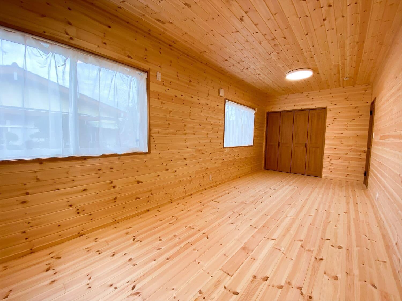 カリフォルニア風サーファーズハウスの平屋の子供部屋|つくばみらい市の注文住宅,ログハウスのような木の家を低価格で建てるならエイ・ワン