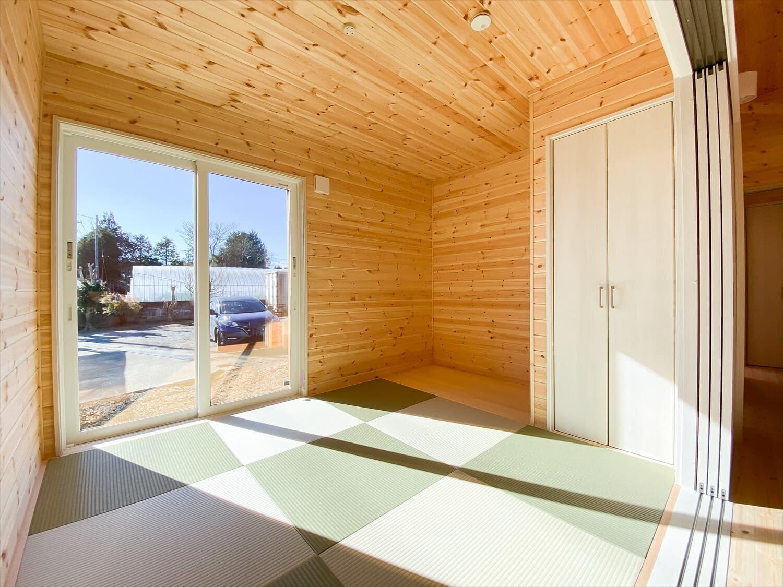 プライベートを尊重した平屋の畳スペース 鉾田市の注文住宅,ログハウスのような木の家を低価格で建てるならエイ・ワン