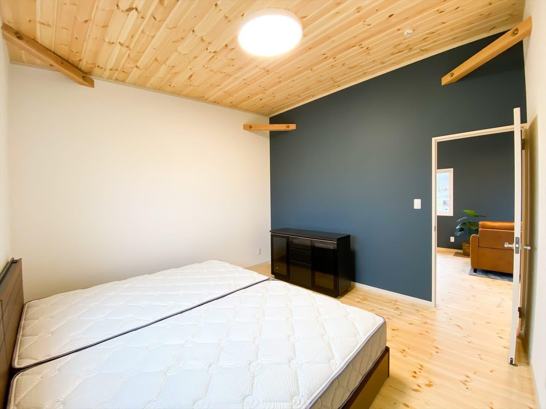 予算内で最大の価値を叶えた無駄のない平屋の寝室|行方市の注文住宅,ログハウスのような木の家を低価格で建てるならエイ・ワン