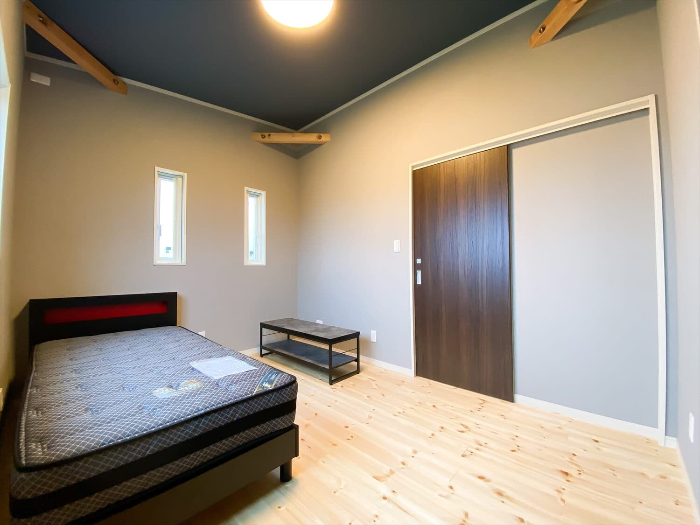 予算内で最大の価値を叶えた無駄のない平屋の子供部屋|行方市の注文住宅,ログハウスのような木の家を低価格で建てるならエイ・ワン