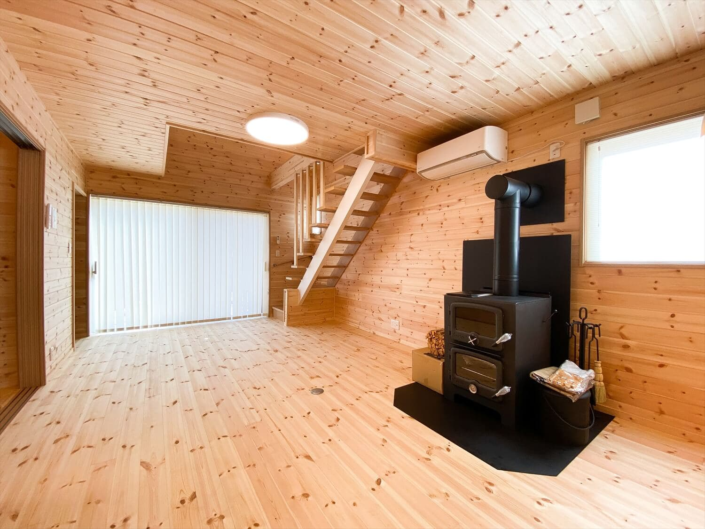 薪ストーブと暮らすログハウス風住宅