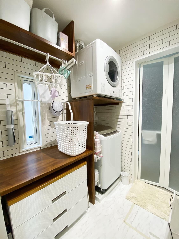 無駄のない長期優良住宅の二階建ての洗濯スペース|行方市の注文住宅,ログハウスのような木の家を低価格で建てるならエイ・ワン
