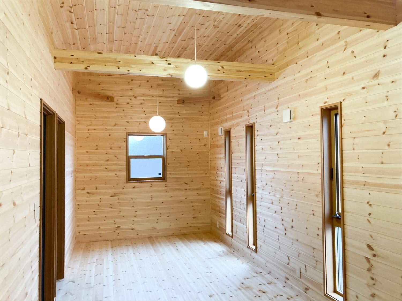 家族のプライバシーを大切にした平屋の洋室|前橋市の注文住宅,ログハウスのような木の家を低価格で建てるならエイ・ワン