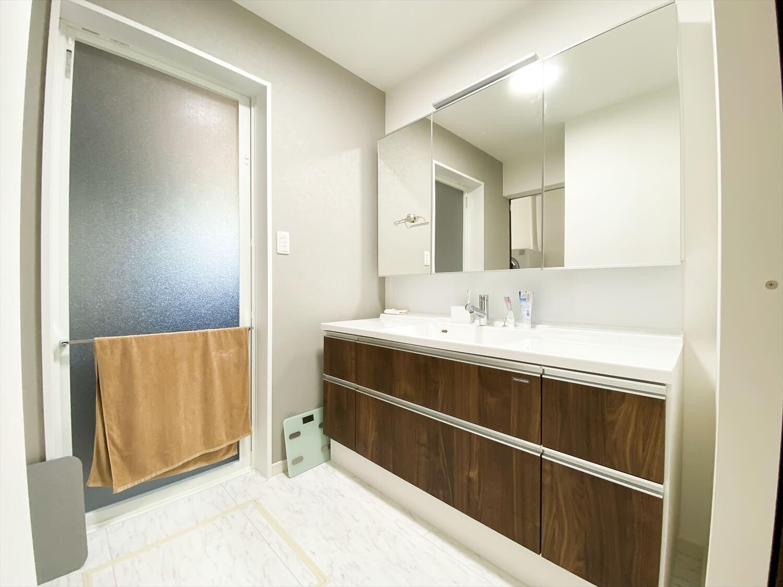 34帖LDKを実現した長期優良住宅の平屋の洗面脱衣室|鹿嶋市の注文住宅,ログハウスのような木の家を低価格で建てるならエイ・ワン
